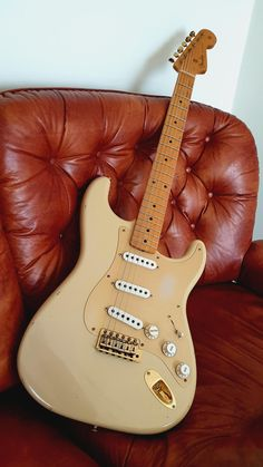 Page 2 - Solid Body Jazz Guitar-fender-stratocaster-jpg Fender Stratocaster, Gretsch, Guitar Fender, Fender Electric Guitar, Cool Electric Guitars, Gibson Guitars, Guitar Tattoo, Guitar Art, Music Guitar