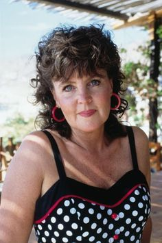shirley valentine film cast