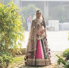 Real bride Gunjan Sawhney in Sabyasachi for her wedding. Image Courtesy: - Another! Wedding Outfits For Groom, Indian Wedding Outfits, Bridal Outfits, Bridal Wedding Dresses, Bridal Style, Wedding Lehanga, Wedding Mandap, Punjabi Wedding, Wedding Stage