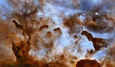Poeira Pillars-in-the-Carina Nebula- as esculturas de gelo cósmico da nebulosa de Carina via HubbleSite.