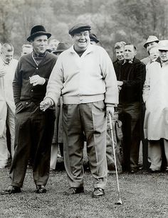Arnold Palmer and Jackie Gleason at the Shawnee Country Club on the Delaware River in October 1960. Description from teetimes.info. I searched for this on bing.com/images