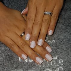 Semi-permanent varnish, false nails, patches: which manicure to choose? - My Nails Cute Nails, Pretty Nails, Hair And Nails, My Nails, No Chip Nails, Natural Gel Nails, Short Gel Nails, Gel Nagel Design, Gel Nail Colors