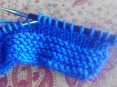 Cómo hacer un gorro de aviador para niño, 1 sólo ovillo de lana de merino 100%. Knit Baby Booties, Hope Chest, Baby Knitting, Fingerless Gloves, Arm Warmers, Knitted Hats, Projects To Try, Baby Shower, Blanket