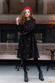 Awesome women dresses are offered on our internet site. Have a look and you wont be sorry you did. Warm Dresses, Winter Dresses, Cotton Dresses, Summer Dresses, Dress Winter, Quirky Fashion, Vintage Fashion, Fashion Fall, Barett Outfit