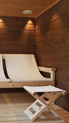 wonderful seat, never seen this type of sauna seating before