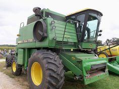 Big John Deere Turbo 7720 combine