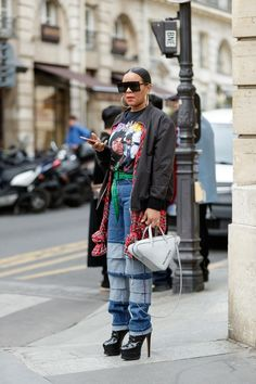 The diverse PFW street style youve been waiting for Urban Street Style, Street Style Trends, Casual Street Style, Street Style Looks, Street Chic, Street Style Women, Brooklyn Street Style, African Street Style, Cool Street Fashion