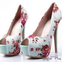Fashionable printed heels!!!