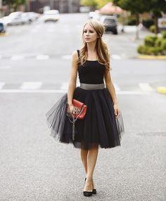 tulle street style, black swan, midi skirt, Space 46