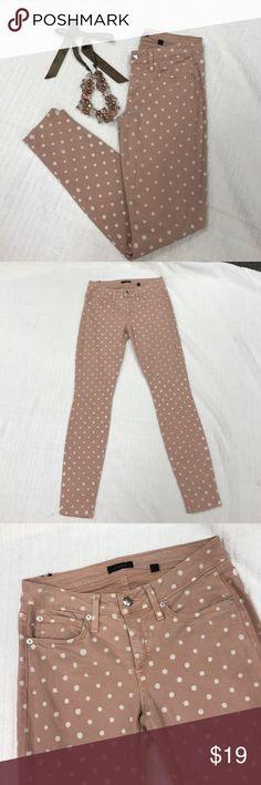 "Bebe sz27 blush polka dot skinny stretch jeans Good used condition Bebe sz27 blush polka dot skinny stretch jeans...inseam 29""... bebe Jeans Skinny"