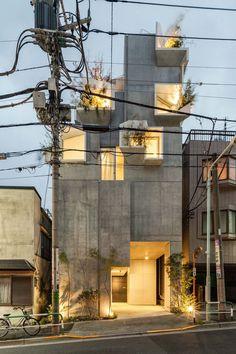 Architecture - Tree-ness House / Akihisa Hirata x Futuristisches Design, Facade Design, House Design, Design Ideas, Design Inspiration, Modern Design, Logo Design, Interior Design, Architecture Résidentielle