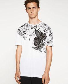 Todas las camisetas con dibujos, mensajes y prints en las rebajas de ZARA  MAN. Consíguelas online con ENVÍO GRATUITO. Camisetas para hombre