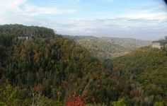View from the Laurel Fork overlook off of the Cumberland Valley (16 mile) loop. Big South Fork National Recreation Area.