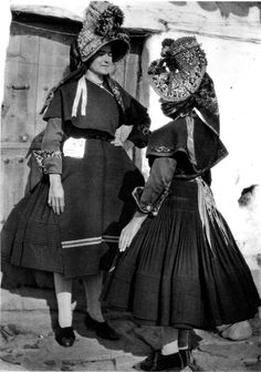 FolkCostume: Costume of Montehermoso, Cáceres Province, Extremadura, Spain