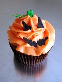 halloween bake desertes idea | Cute idea for bake sales, October birthdays, Halloween parties, and ...