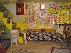 Maud Lewis and her house.