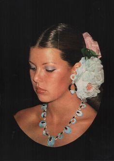 Young Princess Caroline of Monaco Princess Grace Kelly, Princess Stephanie, Philippe Junot, Patricia Kelly, Monaco Royal Family, Floral Hair, Vintage Glamour, Woman Crush, Country Girls