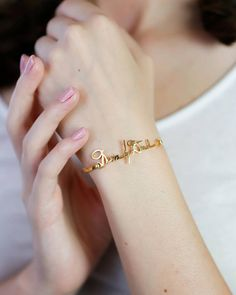 ♥ Handwriting Bangle ♥ The most unique jewelry you can find, perfect gift for you and your loved one ♥ S I G N A T U R E ∙ B A N G L E Bridal Jewelry, Gold Jewelry, Unique Jewelry, Jewelry Box, Jewellery, Name Bracelet, Bangle Bracelet, Custom Name Necklace, Name Jewelry