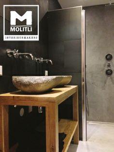 Badkamer met betonstuc en staal op vloer en wanden. Advies, ontwerp en realisatie door team Molitli Interieurmakers!