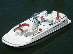 Power catamaran : in-board deck-boat - 240 PLATINUM - - - Splendor Boats. You can send this one to my house, and thank you! Lowe Boats, Deck Boats, Ski Boats, Premier Pontoon, Boat Interior, Interior Ideas, Power Catamaran, Boating Tips, Boats