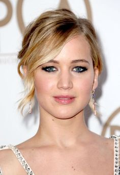 6 Exciting Fall Makeup Trends: #2. Jennifer Lawrence Liner framed eyes