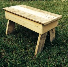 DIY Pallet furniture - I made this small step up stool as a bit of fun. But I think that they could be very popular both as a fictional stool as well as a child size bench seat.