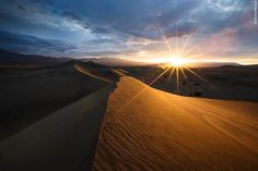 MOJAVE DESERT, 11 of the most beautiful deserts in the world. on my buckets list to hit up Death Valley