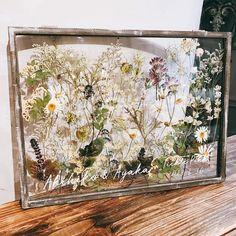 Flower Decorations, Wedding Decorations, Diy Wedding, Wedding Gifts, Big Indian Wedding, Wedding Bouquets, Wedding Flowers, Pressed Flower Art, Diy Resin Crafts