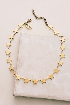 Gorgeous and simple, this necklace is a nice everyday… Gold Star Choker Halskette. Cute Jewelry, Jewelry Box, Jewelry Accessories, Fashion Accessories, Jewelry Necklaces, Jewelry Design, Fashion Jewelry, Bracelets, Cheap Jewelry