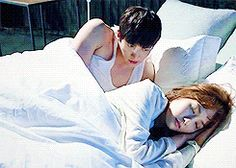 Healer Drama Gif, Drama Funny, Healer Kdrama, Ji Chang Wook Healer, Live Action, My Love From Another Star, Drama Fever, Tv Show Music, Park Min Young