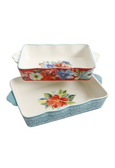 Ree Drummond's new Pioneer Woman spring 2018 collection is now at Walmart, and we've rounded up all the best spring plates, cups, and baking dishes to shop for now. Pioneer Woman Bakeware, Pioneer Woman Dishes, Pioneer Woman Kitchen, Pioneer Woman Recipes, Pioneer Women, Kitchen Collection, Spring Collection, Walmart Recipes, Lemon Kitchen