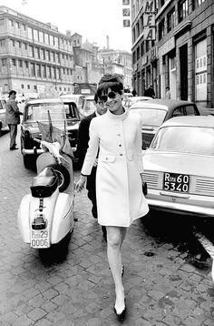 Audrey w scooter in Roma 1968  Elio Sorci Camera Press #AudreyHepburn