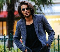Long hair for men is certainly in style but there are considerations men will need to make when deciding to grow out their hair. It is common for men to worry if it is high maintenance. Man Bun Hairstyles, Mens Medium Length Hairstyles, Gents Hair Style, Medium Hair Styles, Long Hair Styles, Male Models Poses, Long Hair Tips, Man Photography, Gq Style