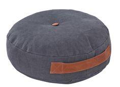 Matraskussen 101: ideaal voor de woonkamer of slaapkamer. Verkrijgbaar in grijs en antraciet #101woonideeen #leenbakker