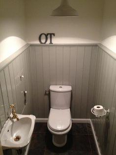 Toilet landelijk antraciet gietijzeren accesoires toilet pinterest badkamer wc en - Behang voor toiletten ...