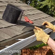 Installing leaf guard gutters can put that miserable, messy, stinky job of cleaning out gutters behind you. Discover three of the best gutter guard options for your roof. Home Renovation, Home Remodeling, Bathroom Remodeling, Gutter Drainage, Diy Gutters, Diy Jardin, Drainage Solutions, Diy Home Repair, Home Repairs