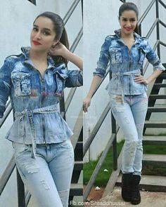 Shraddha kapoor 💓💓💓 Indian Bollywood, Bollywood Stars, Bollywood Fashion, Bollywood Actress, Urban Outfits, Stylish Outfits, Sraddha Kapoor, Prettiest Actresses, Girl Outfits