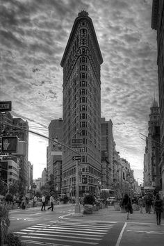 Flatiron Building (New York City) by Christopher Bliss