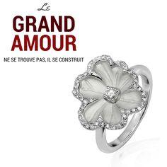 #grandamour #wedding #weddingring #solitaire #fleur #orblanc #diamants #amour #alliances #fiançailles #mariage