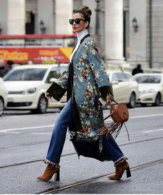 Most Popular Kimono Outfit Trends Ideas 201813 Fashion Week, Look Fashion, Fashion Outfits, Womens Fashion, Kimono Outfit, Kimono Fashion, Mode Kimono, Estilo Boho, Mode Style
