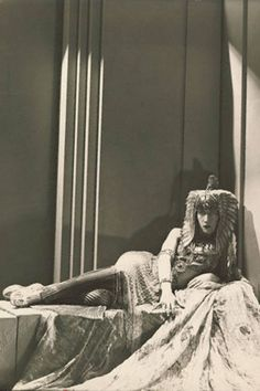 """Marchesa Luisa Casati Her life goal was to """"be a living work of art,"""" and Casati definitely gave it her all—the Italian heiress could often be found strolling around her Venetian neighborhood with one of her pet cheetahs in tow."""
