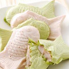 #Japanese_sweets #Waga_shi #Tai_yakii (Japanese Sweets) - 大人気の白いたいやきを、桜あんで作りました。生地も、桜風味と抹茶風味で春らしく。