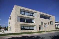 Außenansicht - Hörsaal- und Verwaltungsgebäude für die Hochschule Ansbach