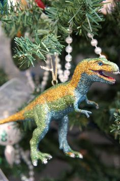 i d l e w i f e : diy modcloth inspired dinosaur ornaments Glitter Ornaments, Diy Christmas Ornaments, Christmas Projects, Christmas Holidays, Merry Chistmas, December Holidays, Tacky Christmas, Christmas Mantels, Xmas Crafts