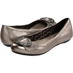 silver flats, love these. Guess I'm liking the buckle right now. :)