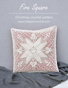 Fire Square - a crochet pattern with traditional ornament not only for Christmas. Crochet Diagram, Filet Crochet, Crochet Motif, Diy Crochet, Crochet Designs, Crochet Crafts, Crochet Projects, Crochet Ideas, Christmas Crochet Patterns