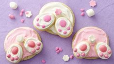 But the holy grail of Easter cookies that will literally make anyone squeal from CUTENESS OVERLOAD?! The one, the only...Bunny Butt Cookies!