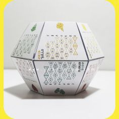 CALENDARIO 2015: OrigamiDIY. Diviértete montando tu #calendario #diy #poliedrico.