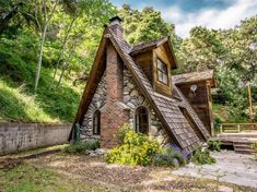 View 15 photos of this 2 bed, bath, 780 sqft Single Family that sold on A Frame Cabin, A Frame House, Ideas De Cabina, Cabins And Cottages, Cabins In The Woods, Residential Architecture, House Architecture, Rustic Design, Tiny Cottages