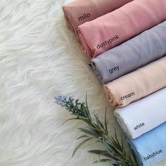 Varian warna pasmina (bukan instan)... Fabric Photography, Tshirt Photography, Flat Lay Photography, Clothing Photography, Muslim Fashion, Hijab Fashion, Fashion Outfits, Hijab Style Tutorial, Stylish Hijab
